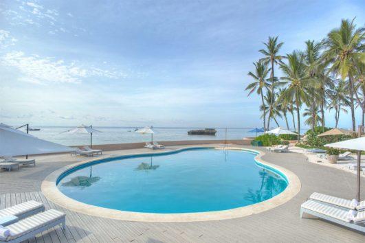 Spacers Travel - Hemingways Resort Tour Package